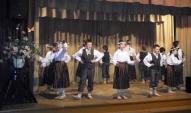 Dejo 3.-6. klašu deju kolektīvs ( sk. A. Muša)