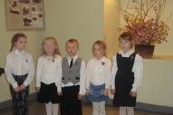 Dzejoļus skaita1.klases skolēni(K.Kuliša, P.Hohlova, T. Sirmais, V. Freimane, M. Zepa)