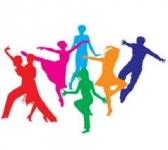 """Ērgļu moderno deju kolektīvs piedāvā """"Vizbulītes"""" deju parādi."""